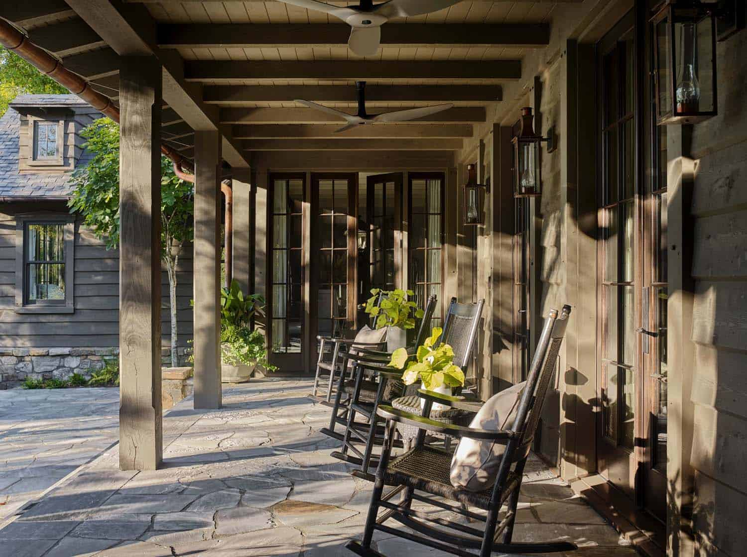 rustic-lakeside-cottage-porch