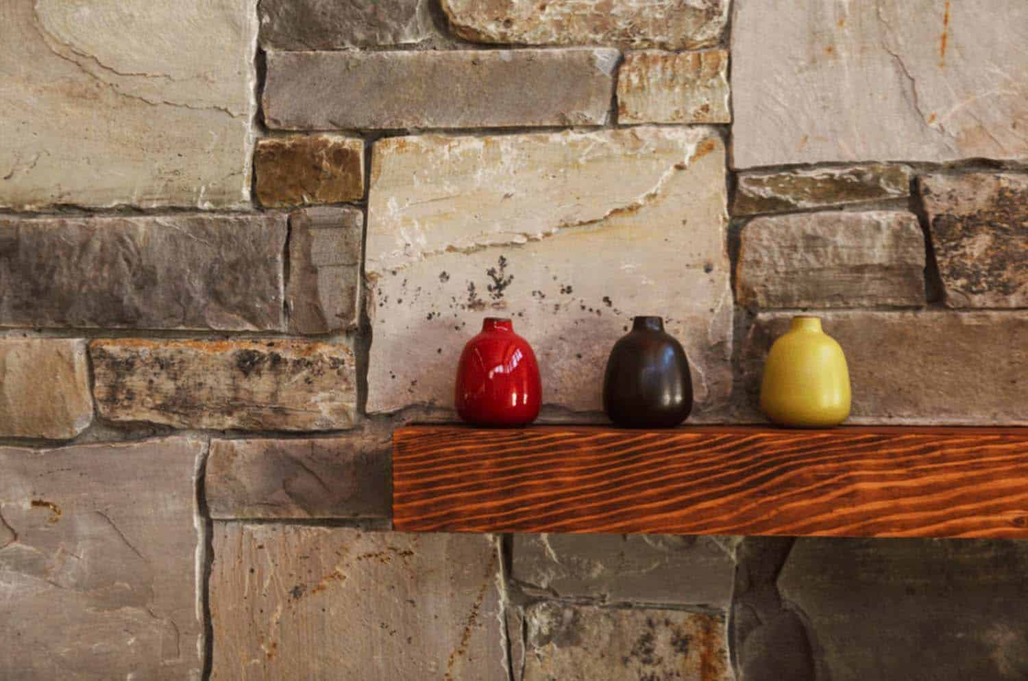 mountain-modern-rustic-home-mantel