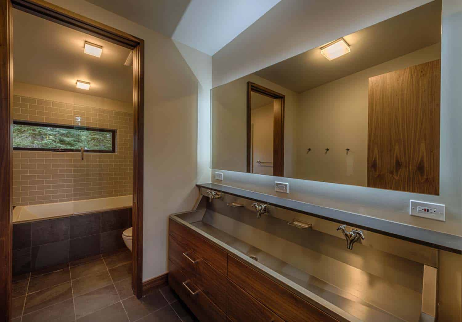 mountain-modern-prefab-bathroom
