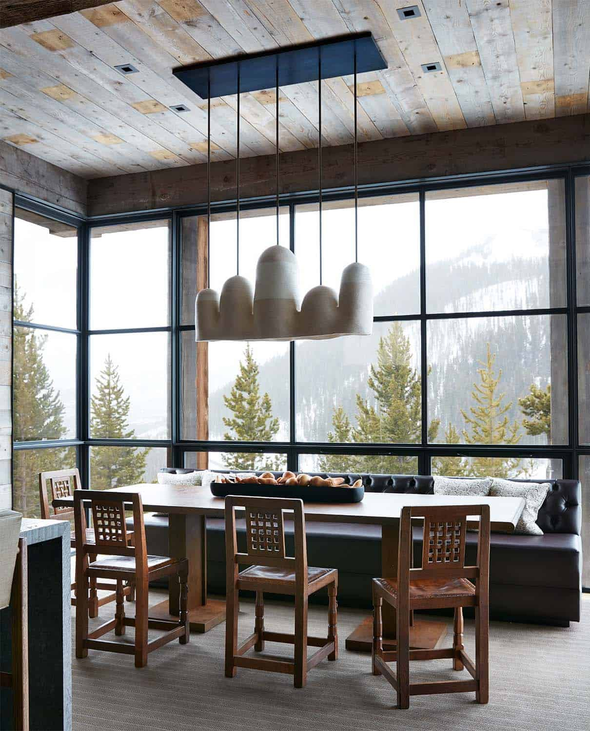 mountain-modern-kitchen-breakfast-nook