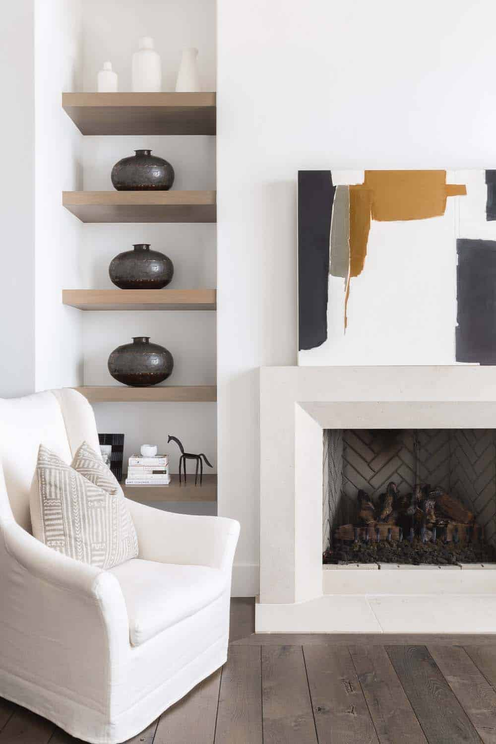 mountain-ranch-house-fireplace-detail