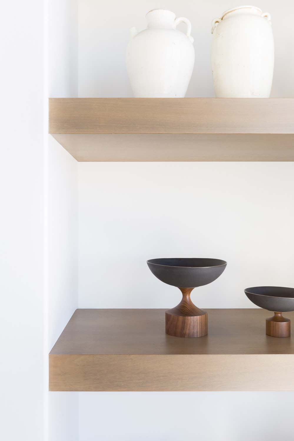 mountain-ranch-house-shelf-detail