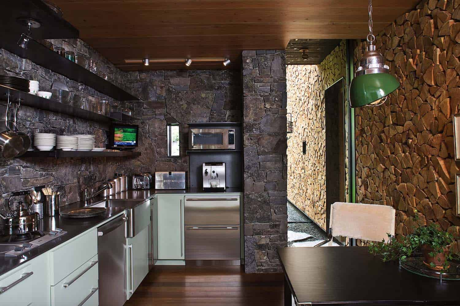 rustic-cabin-kitchen