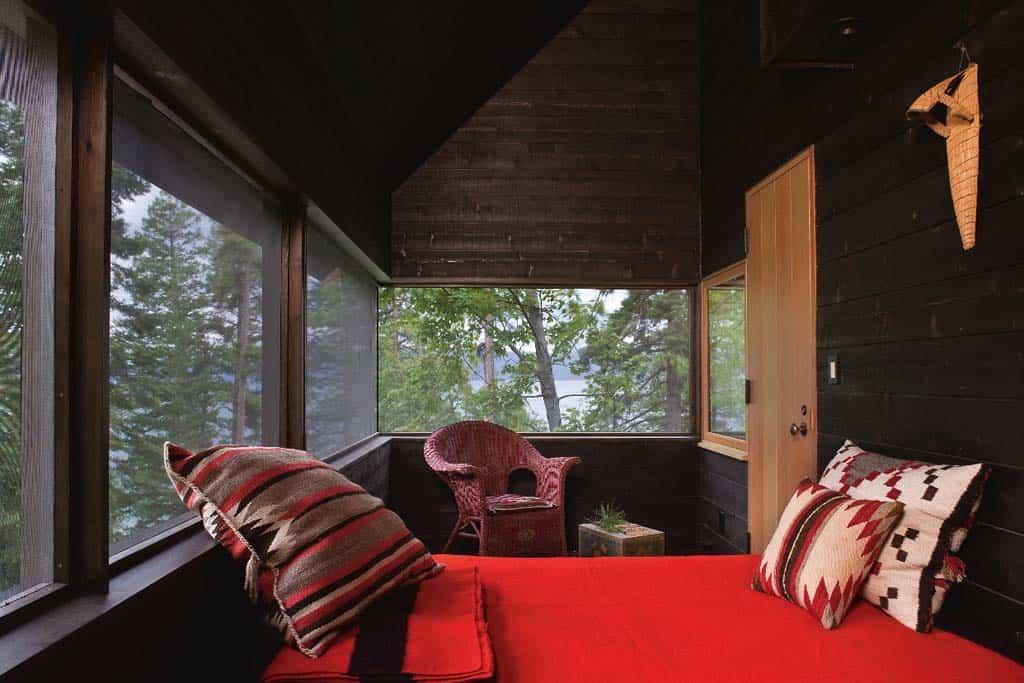rustic-cabin-sleep-porch