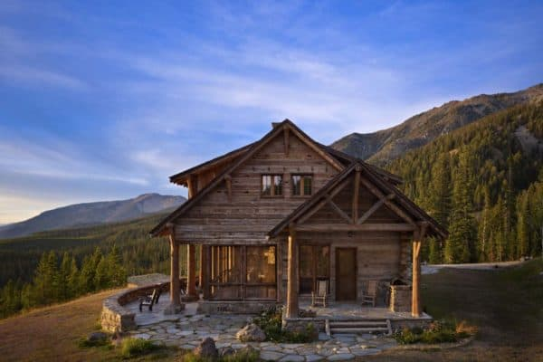 featured posts image for Stunning rustic retreat with majestic views over Montana countryside