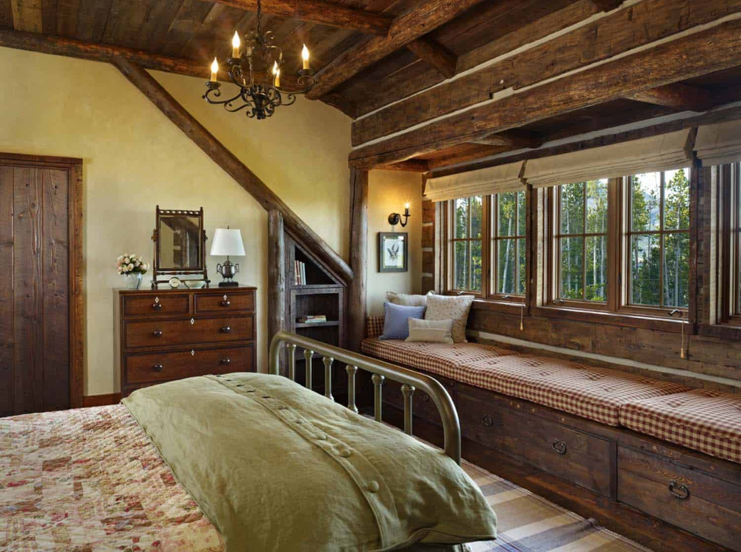 mountian-retreat-rustic-bedroom