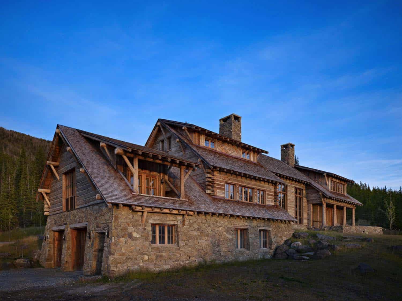 mountain-retreat-rustic-garage