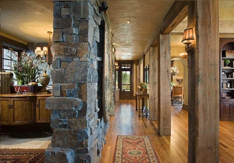 residence-rustic-hallway