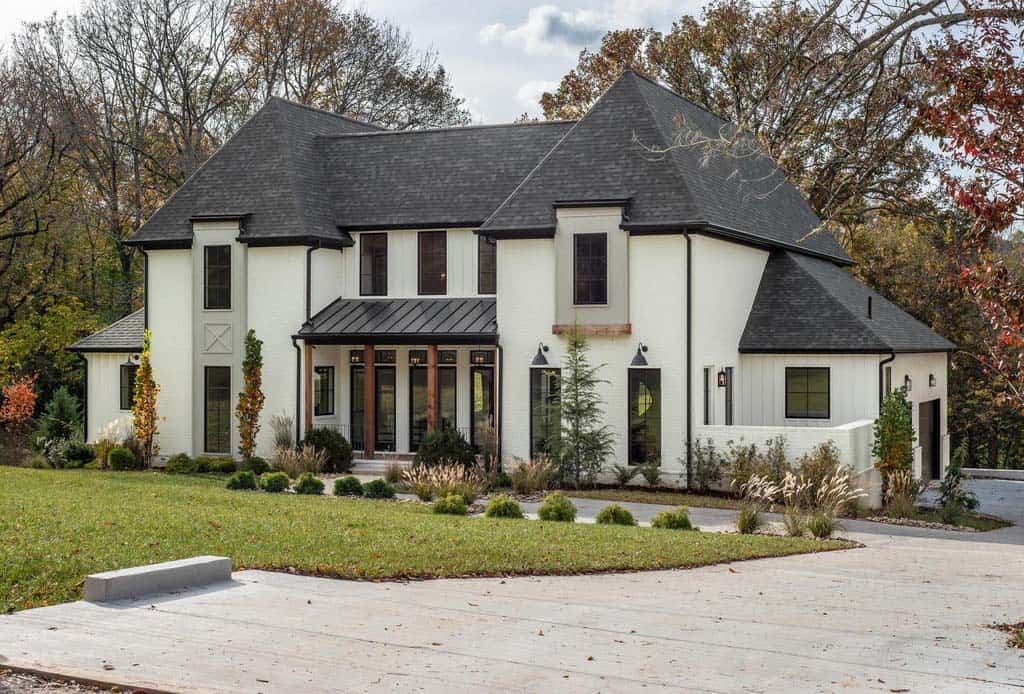 transitional-style-house-exterior