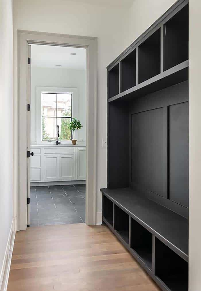 transitional-style-mudroom