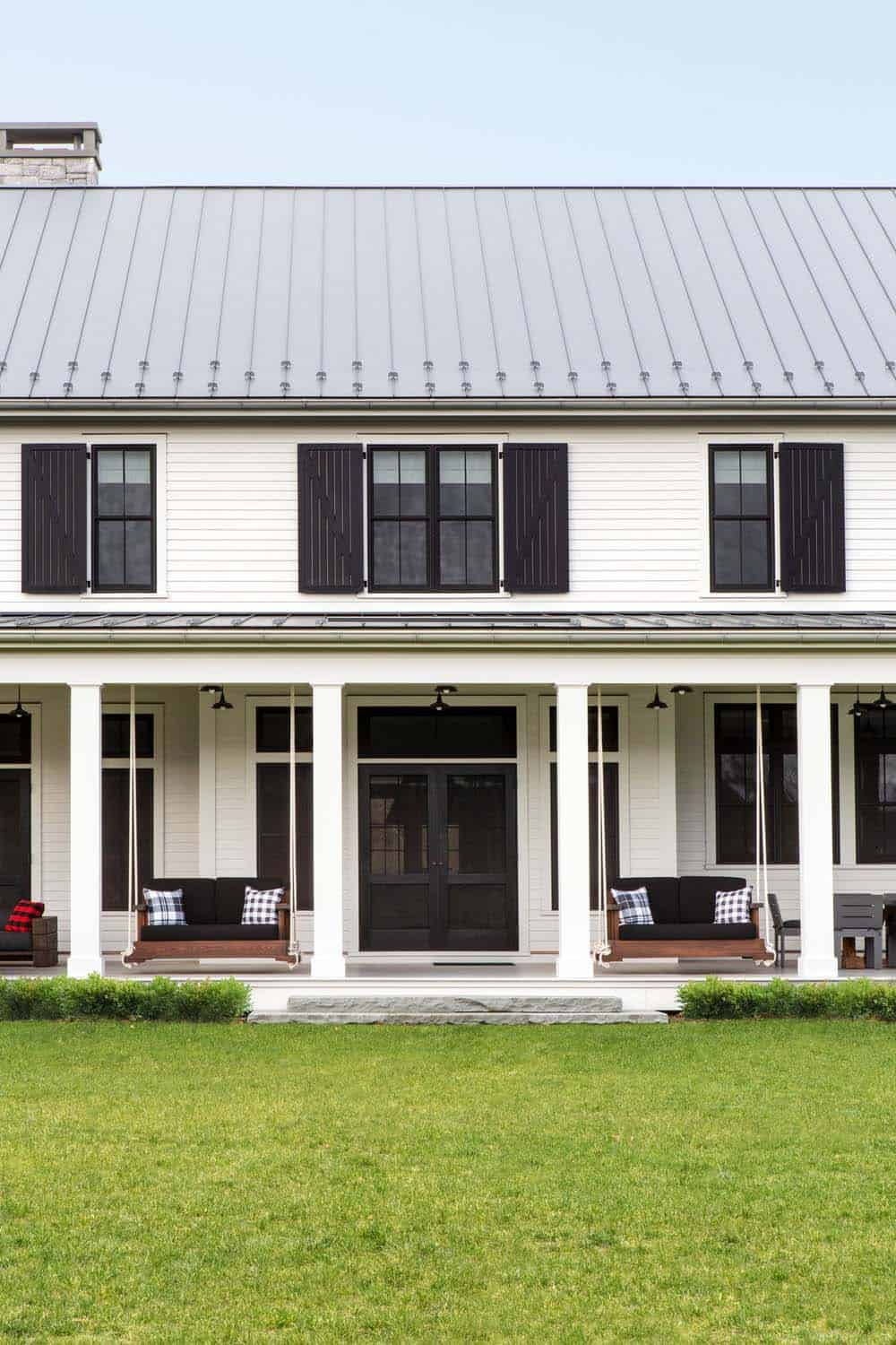 modern-farmhouse-exterior