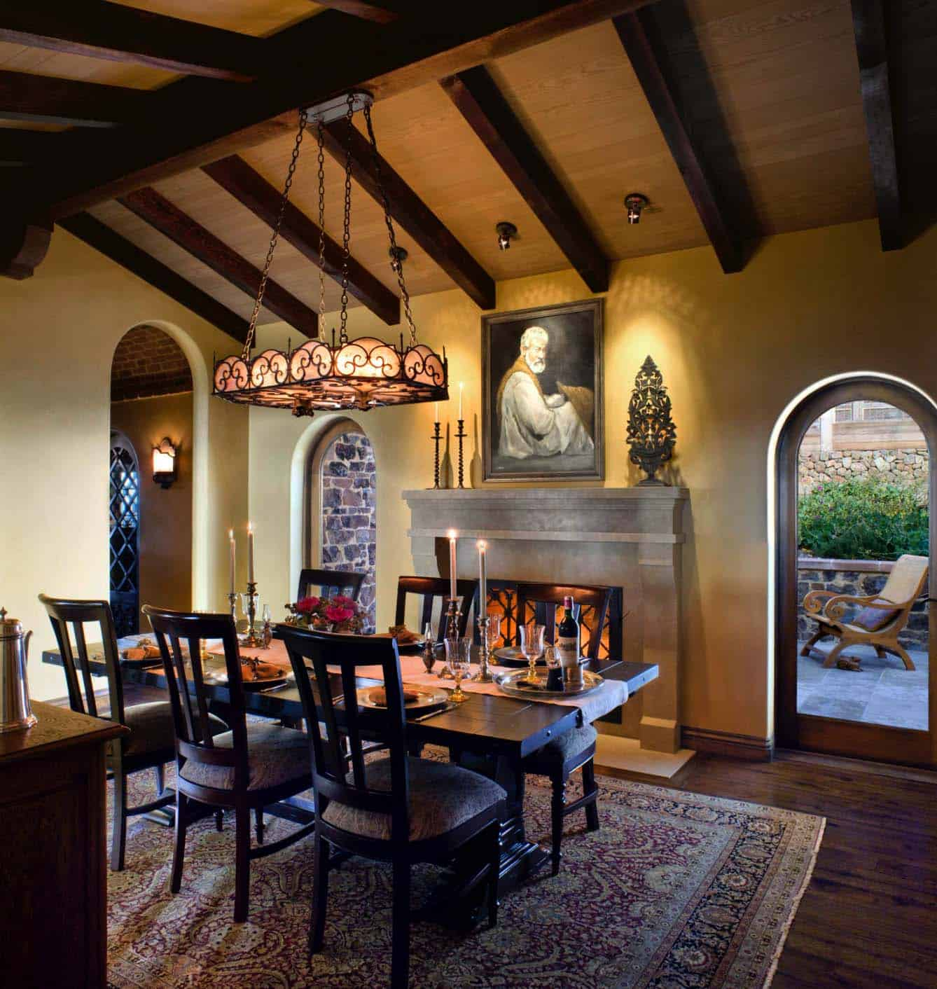 spanish-estate-rustic-dining-room