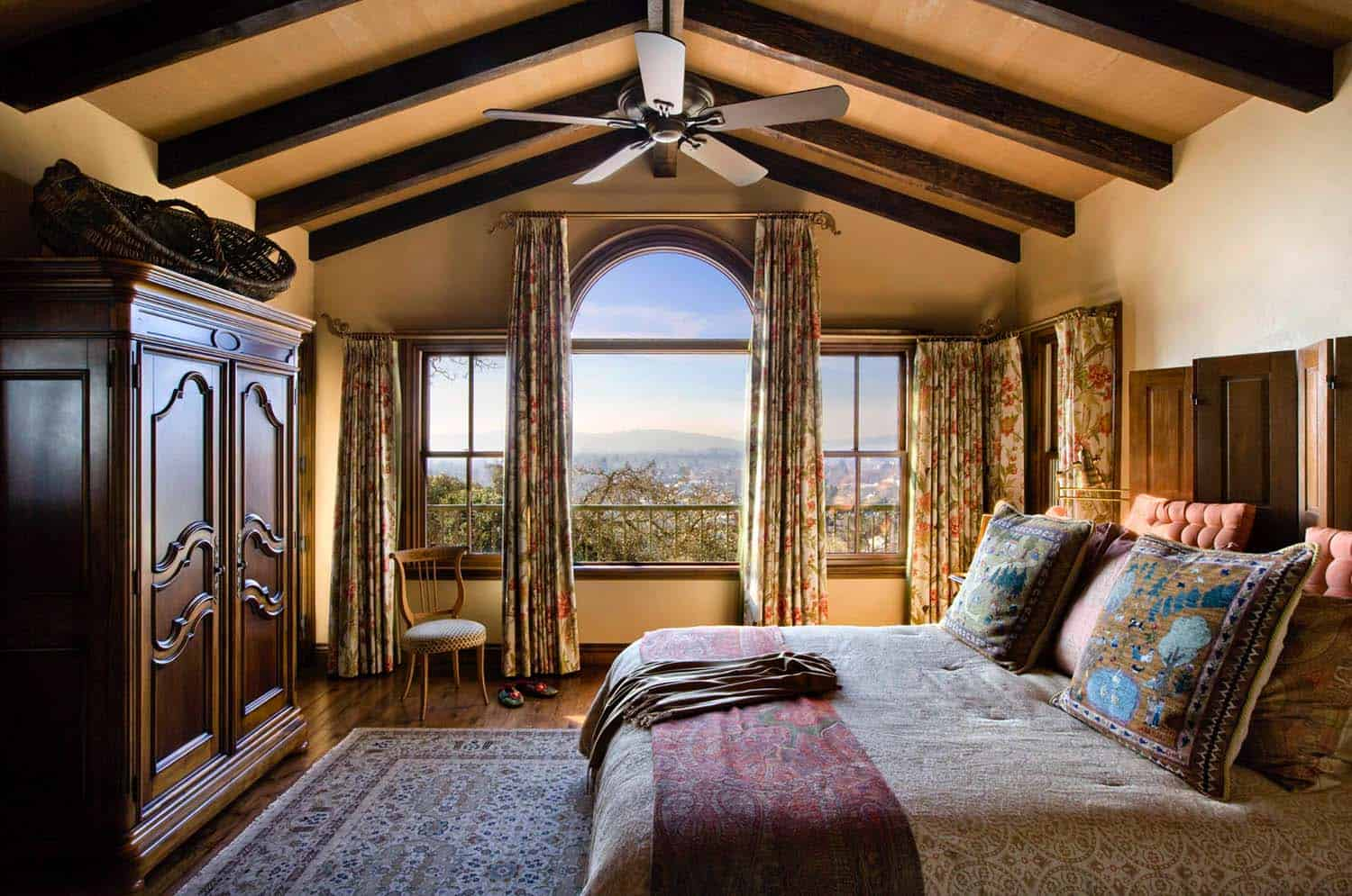spanish-estate-rustic-bedroom