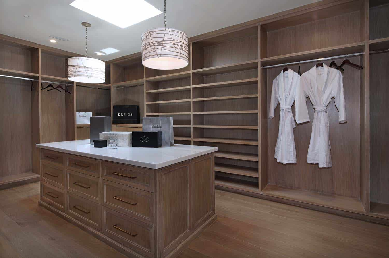 contemporary-master-closet