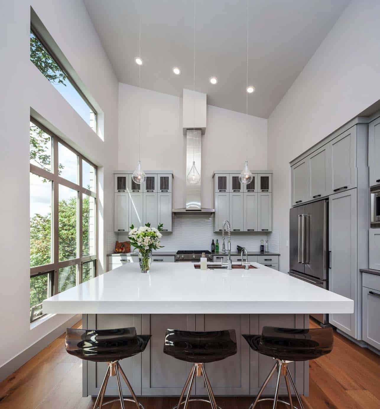 contemporary-hillside-home-kitchen