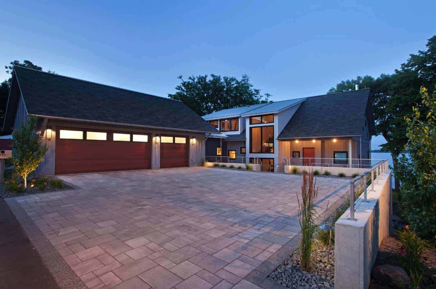 contemporary-lake-minnetonka-home-exterior