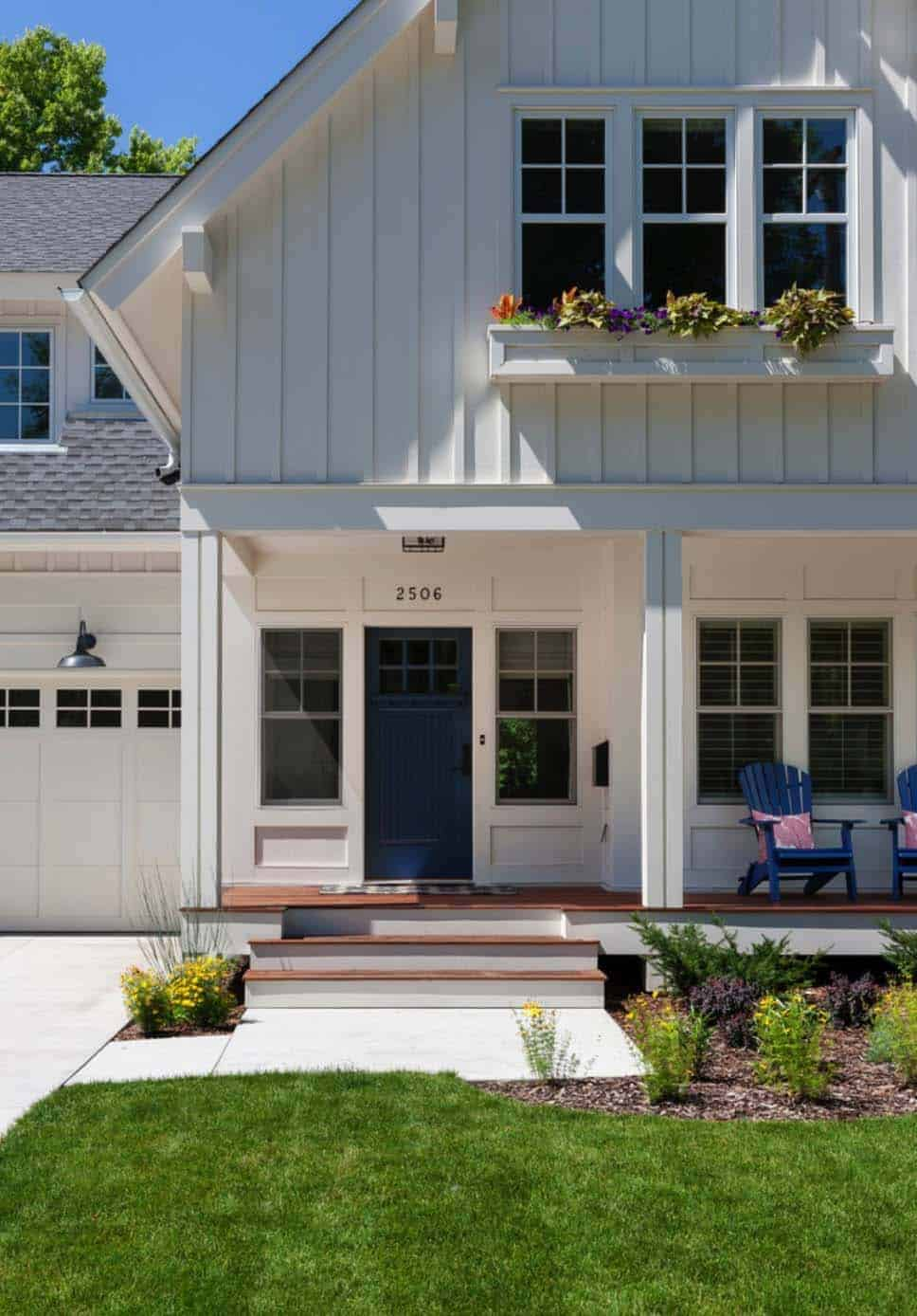 cottage-style-craftsman-porch
