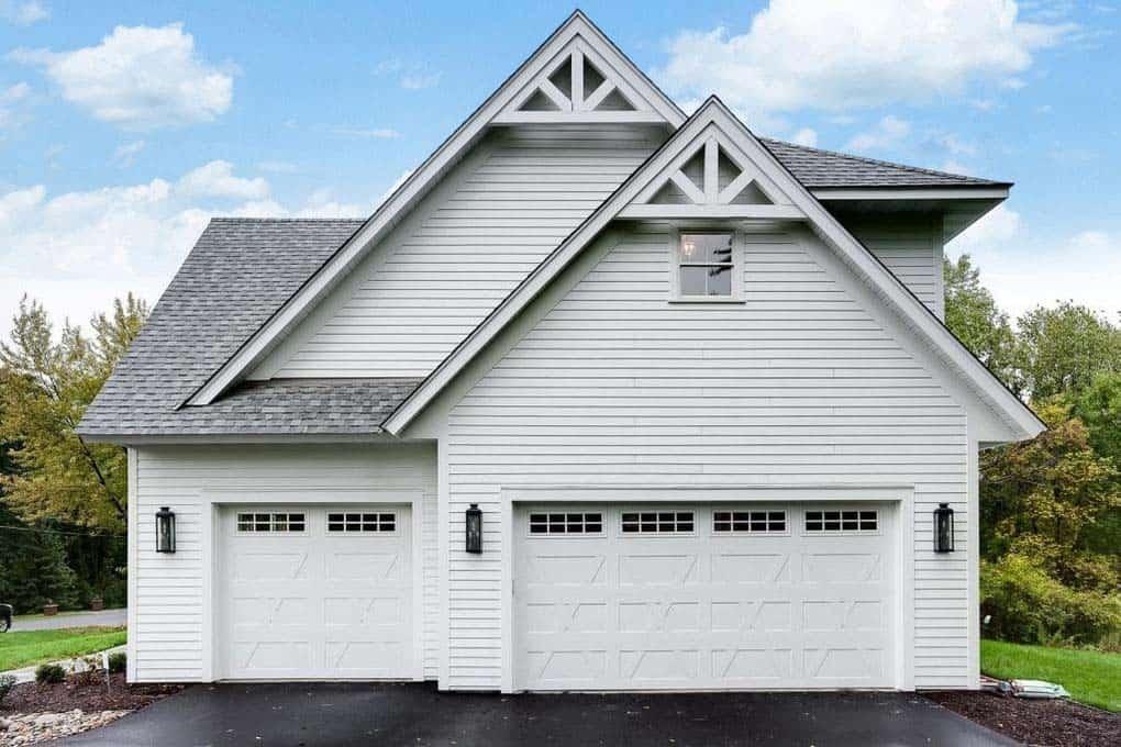 farmhouse-style-garage-exterior