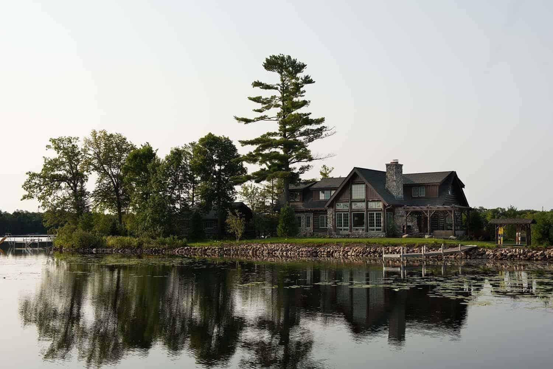 rustic-cabin-exterior-lakeside