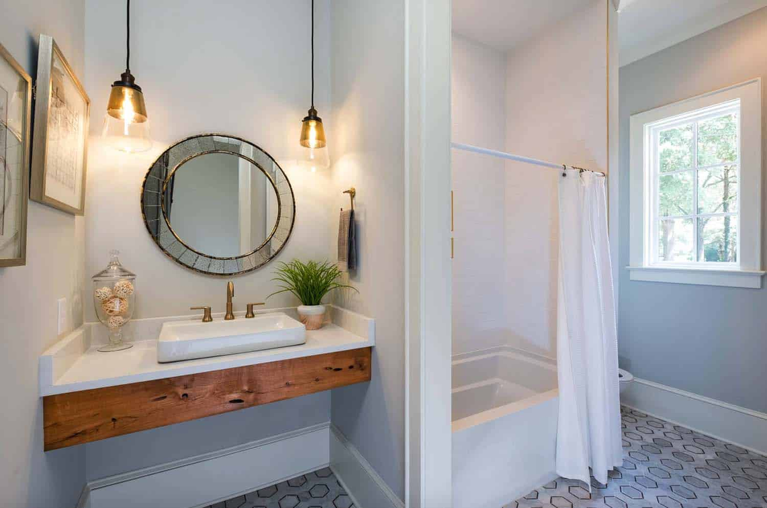 guest-bath-farmhouse-bathroom