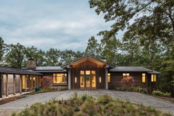featured posts image for Gorgeous modern farmhouse radiates with warmth in North Carolina