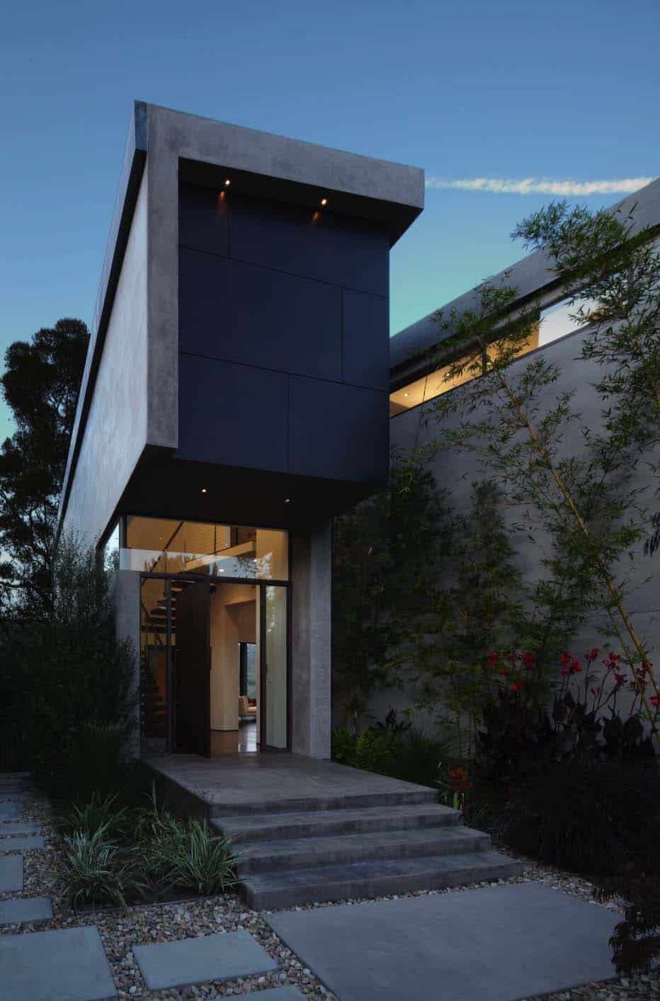 modern-dream-house-entry