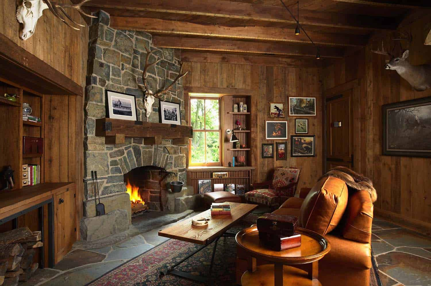 hunting-barn-rustic-living-room