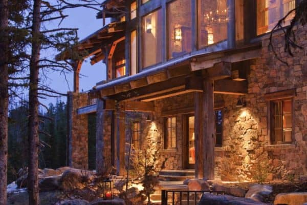 featured posts image for Cozy mountain hideaway with charming modern-rustic style in Montana