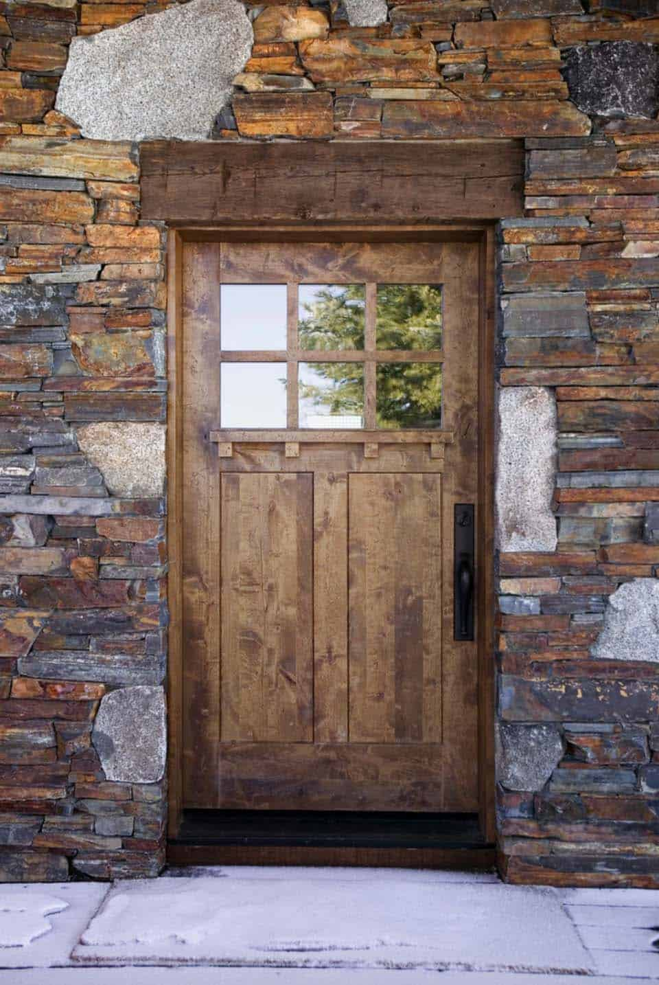 rustic-mountain-retreat-entry