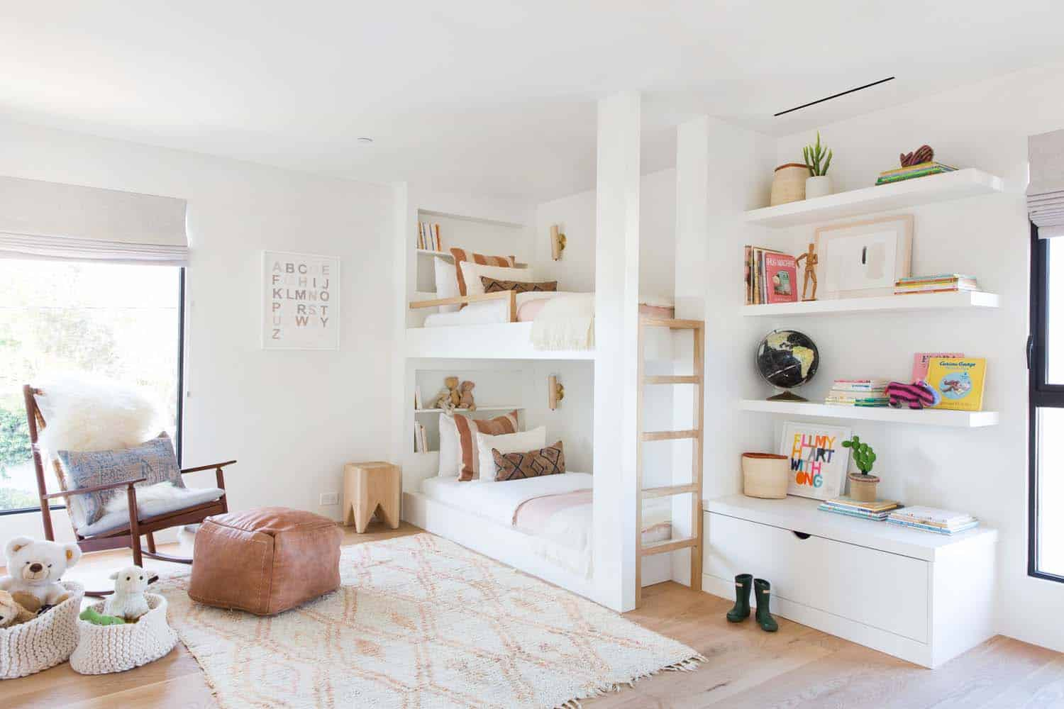scandinavian-modern-kids-bunk-bedroom