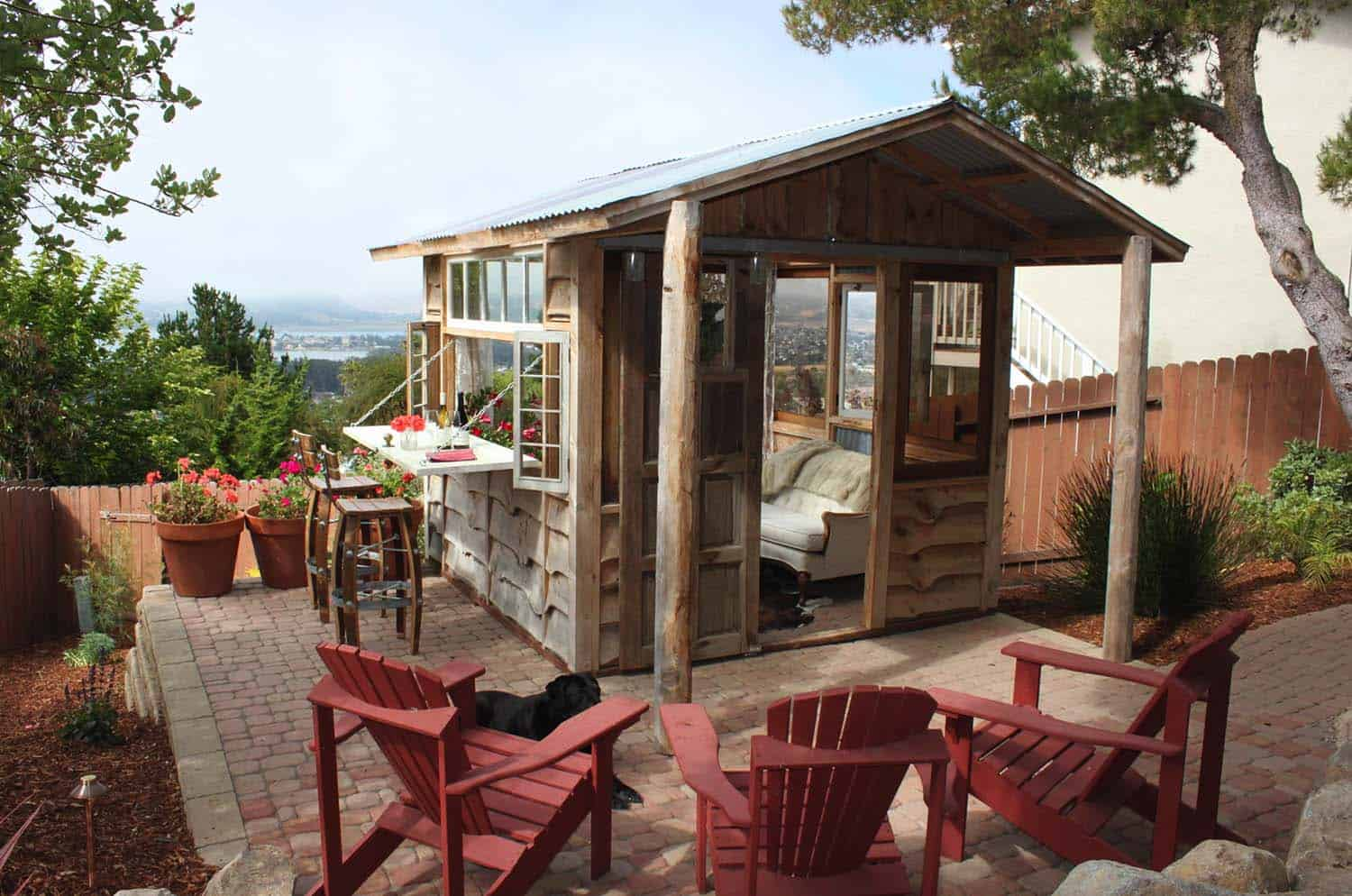 13+ Wonderfully Inspiring She Shed Ideas To Adorn Your Backyard