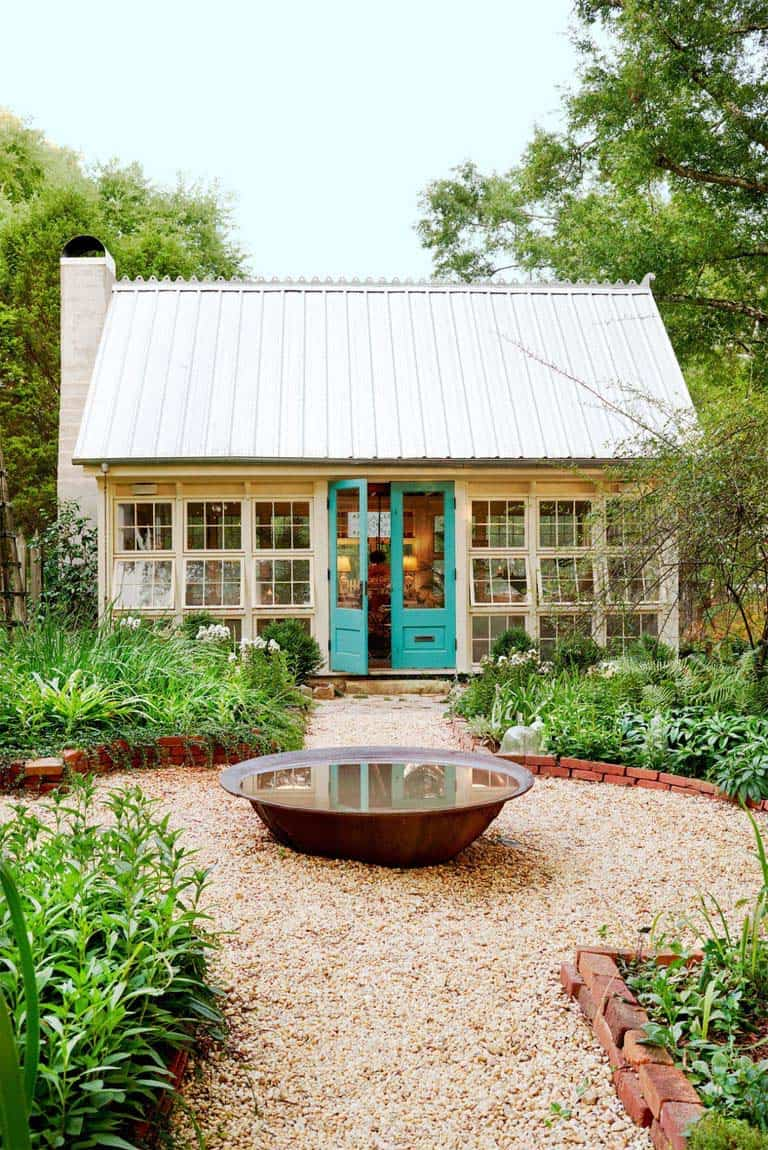 she-shed-artist-retreat-backyard-garden-getaway
