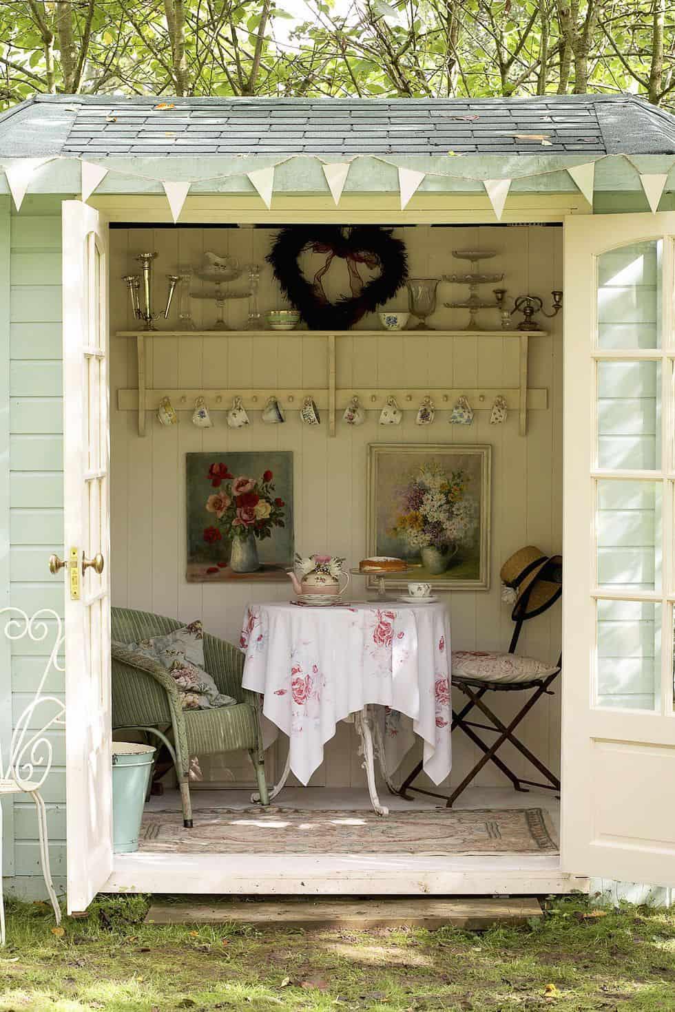 she-shed-garden-hideaway