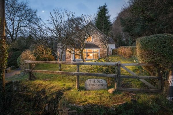 featured posts image for Romantic stone cottage on the Cornwall coast: The Poet's Hideaway