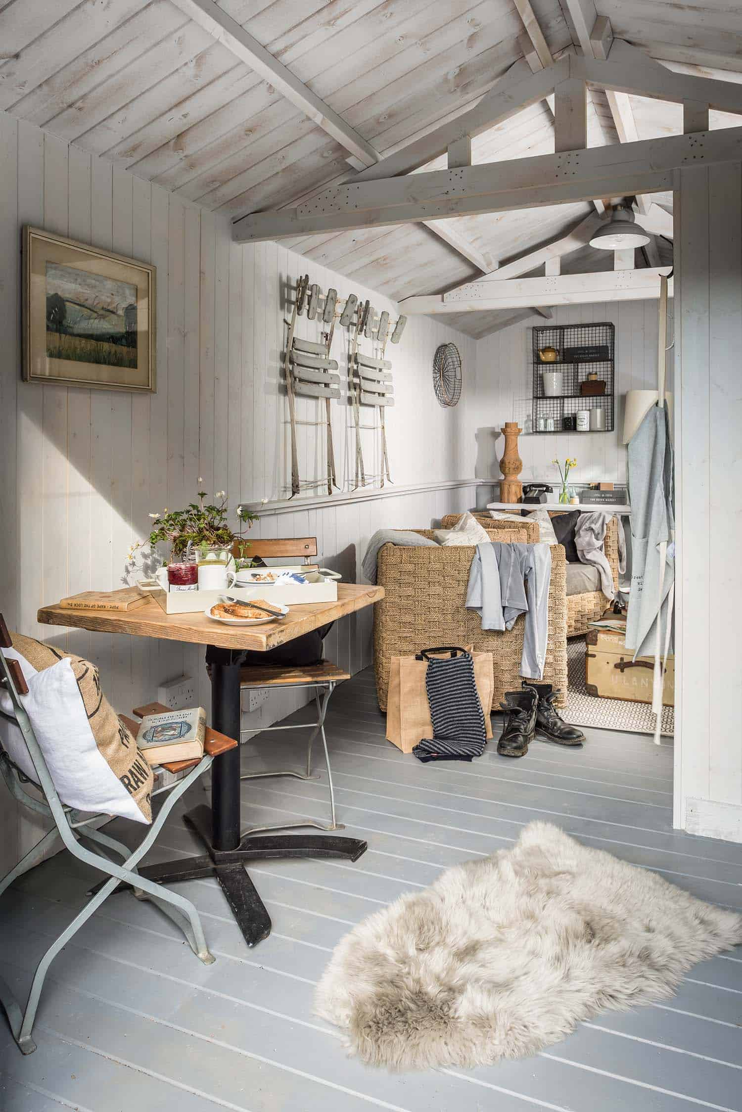 cozy-cottage-dining-nook