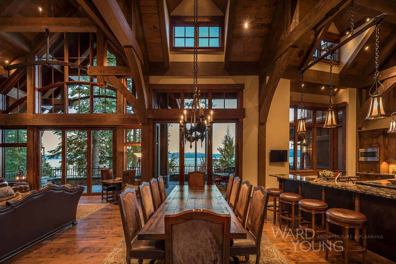 lodge-style-home-dining-room