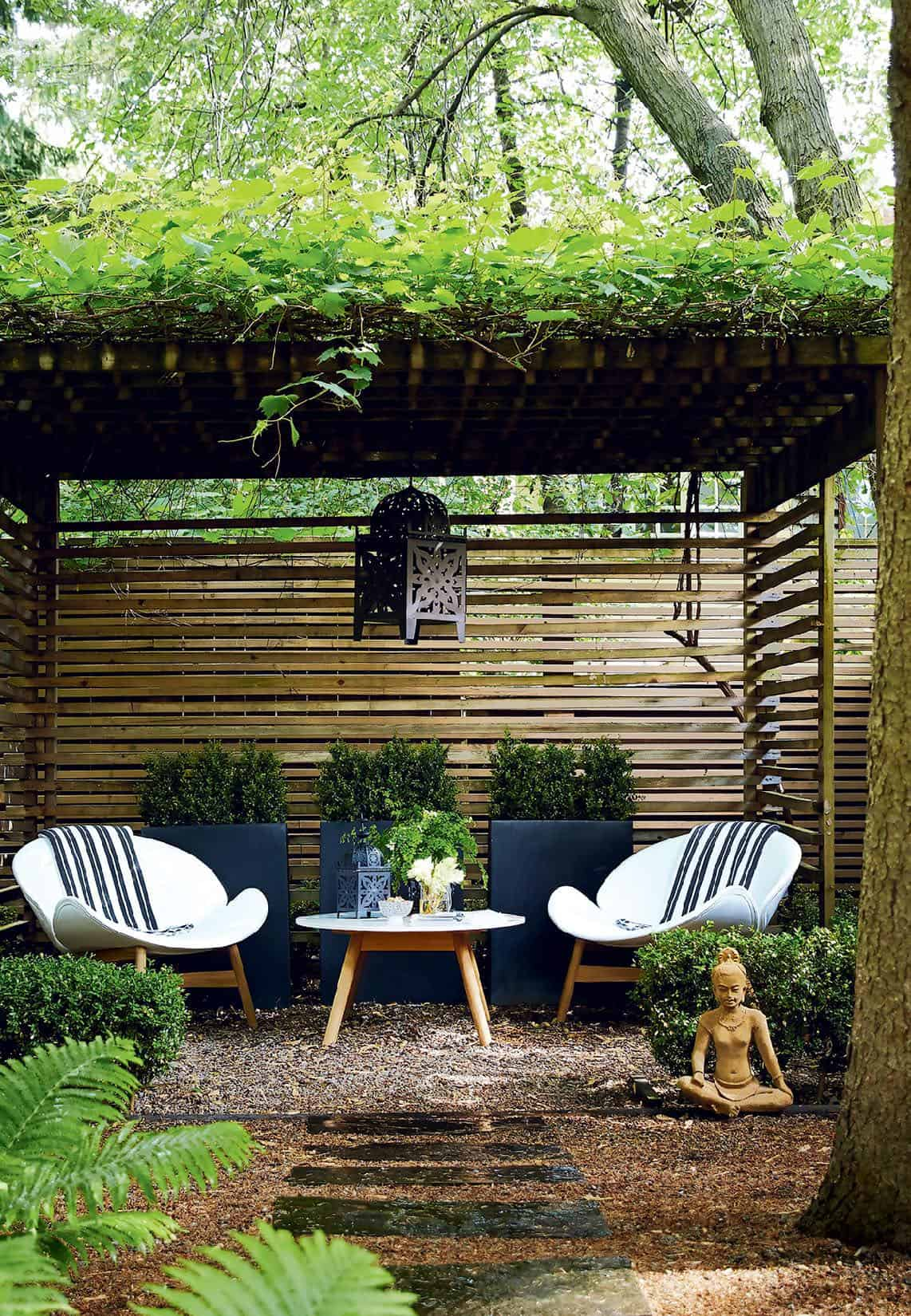 vine-wrapped-pergola-with-seating