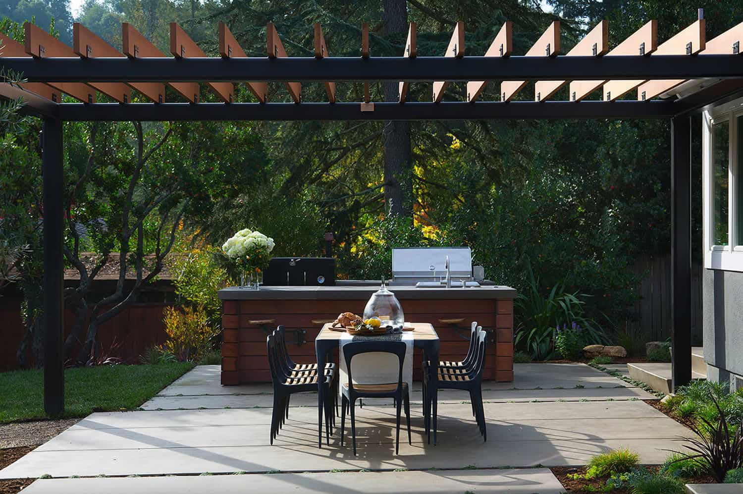 outdoor-kitchen-with-a-pergola