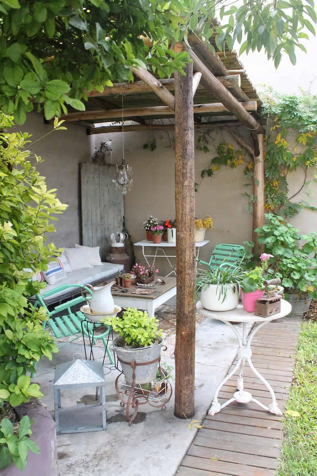 pergola-shaded-patio