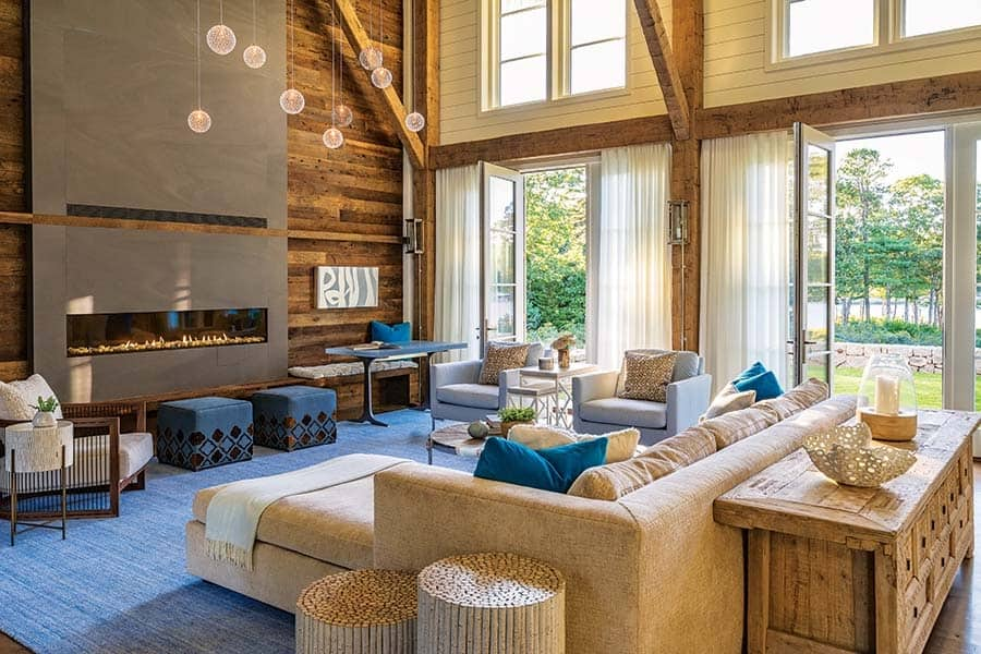 barn-style-coastal-home-living-room