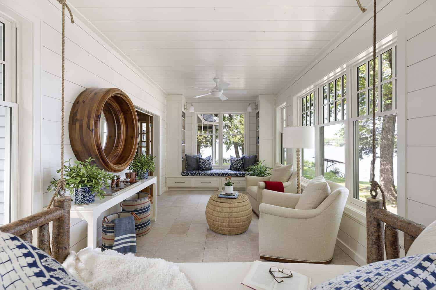 dreamy-beach-style-sunroom