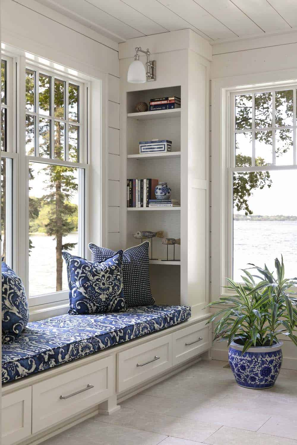 dreamy-beach-style-sunroom-window-seat