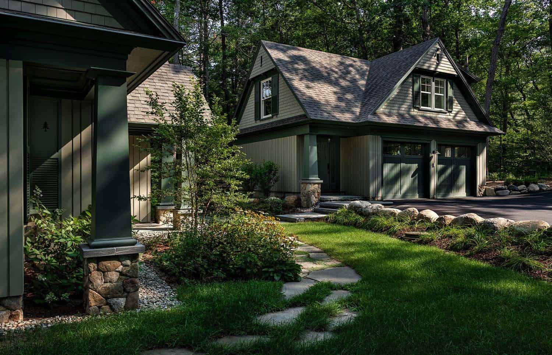 new-england-cabin-retreat-garage