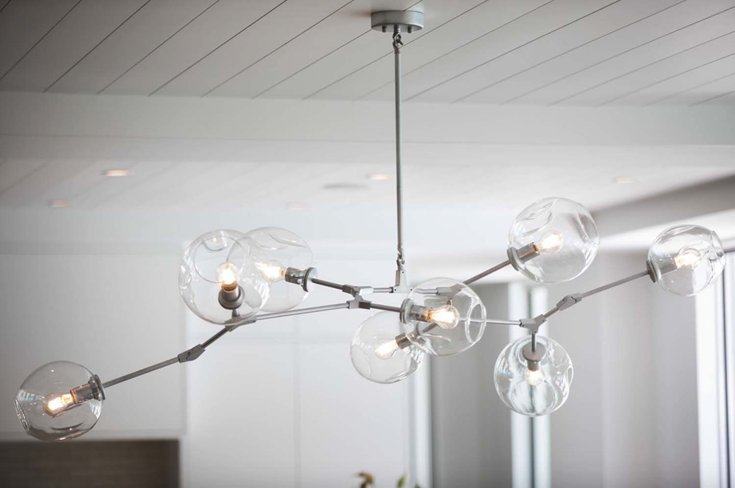 coastal-modern-dining-room-light-fixture
