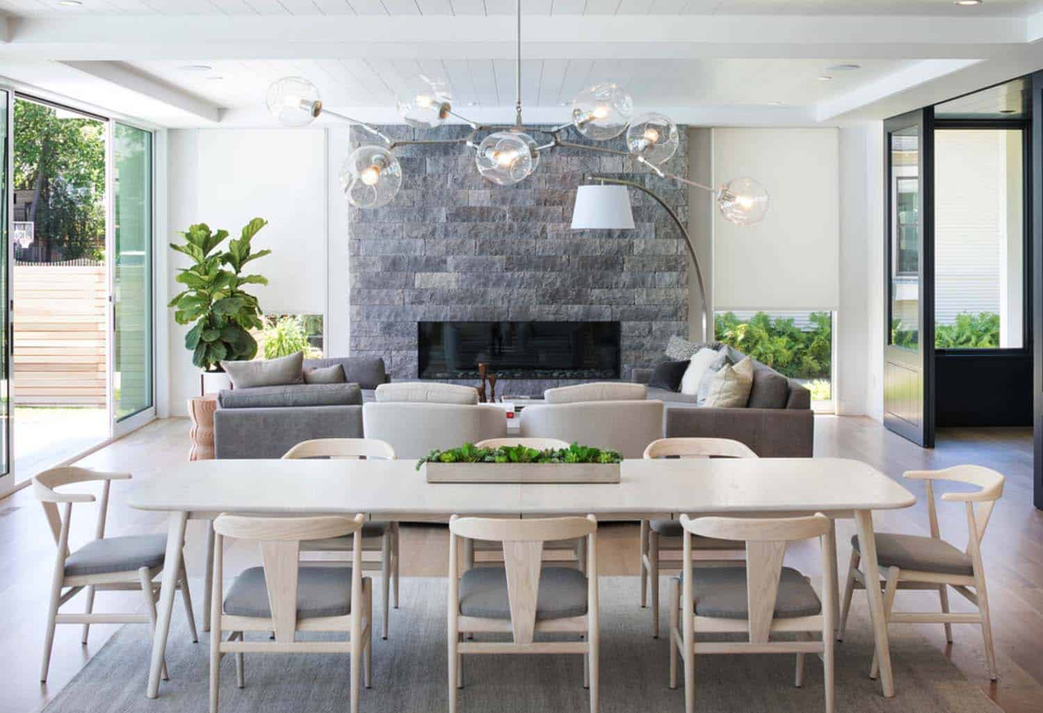 coastal-modern-beach-style-dining-room