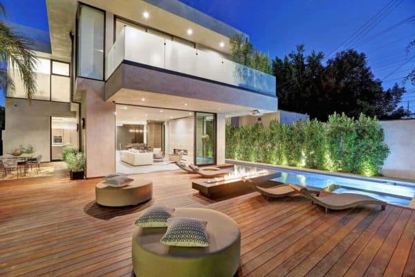 featured posts image for Contemporary home in Los Angeles offers breezy indoor-outdoor lifestyle