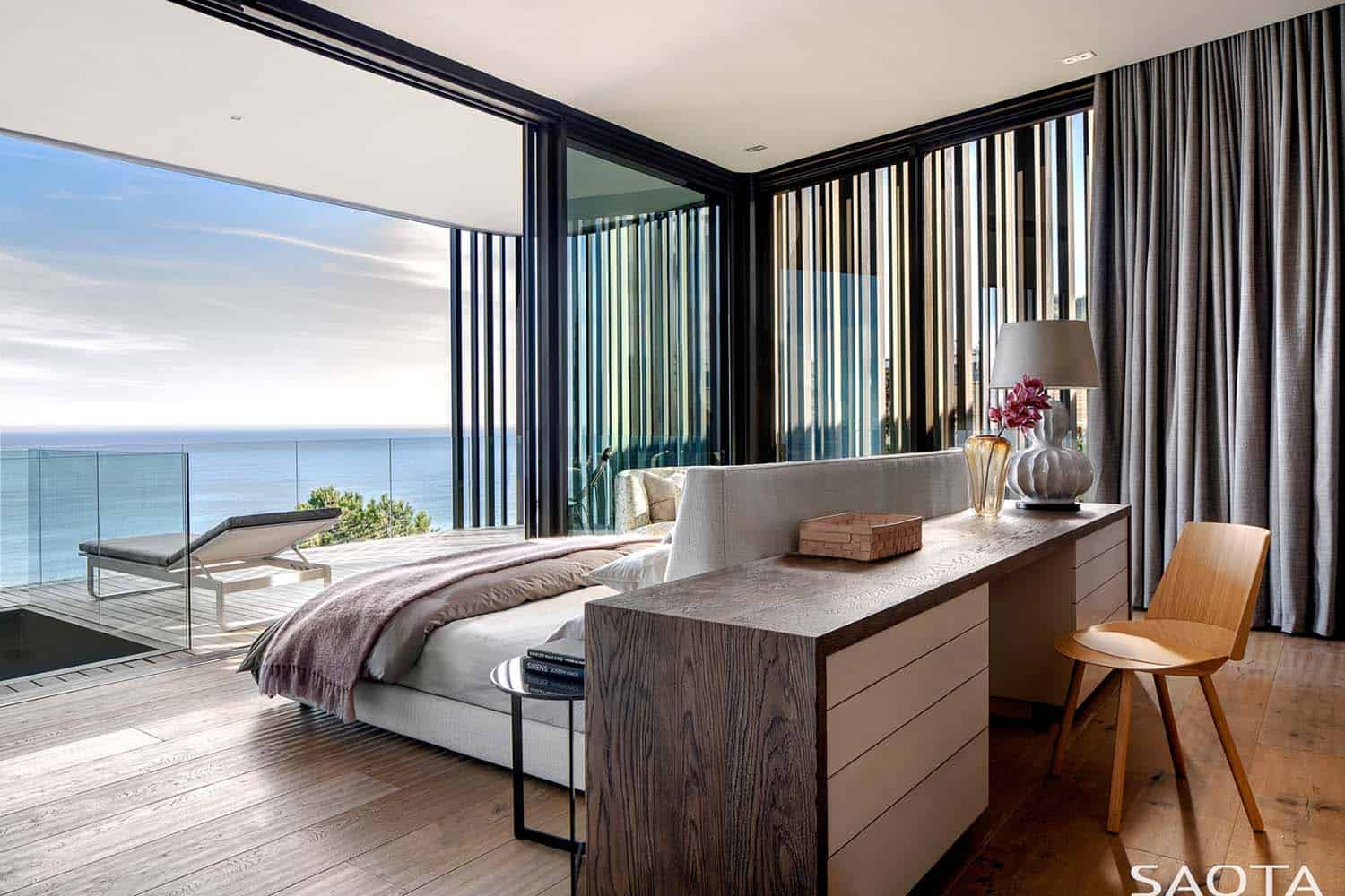 contemporary-home-bedroom