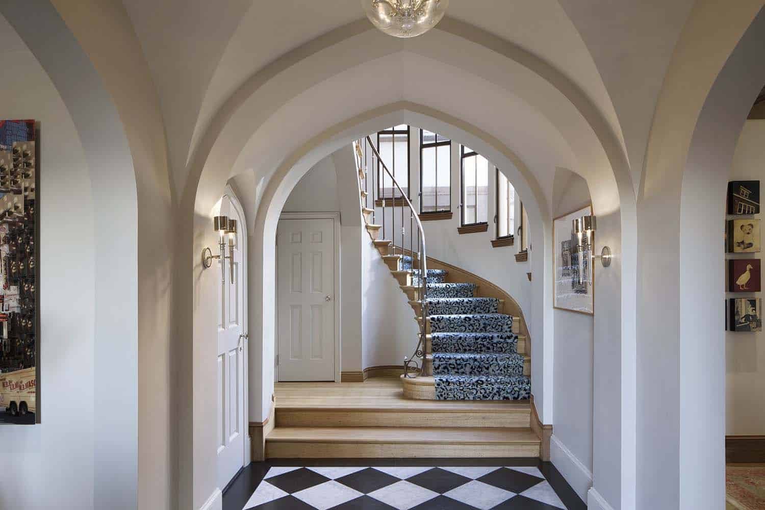 english-gothic-residence-traditional-entry