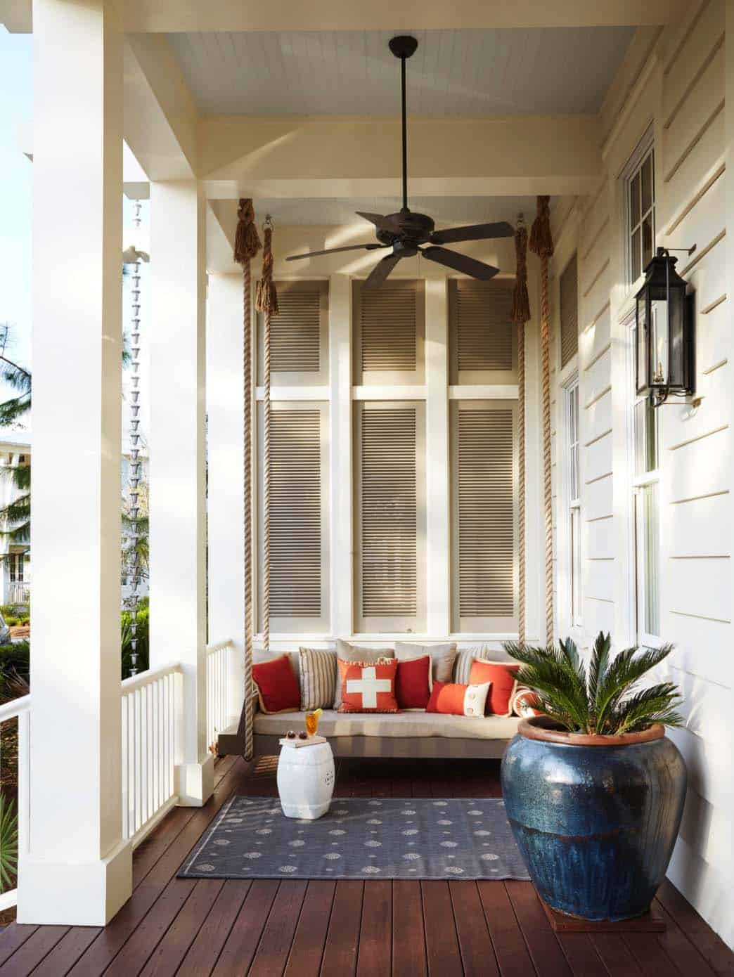 26 Incredibly Relaxing Swinging Bed Ideas For Your Porch
