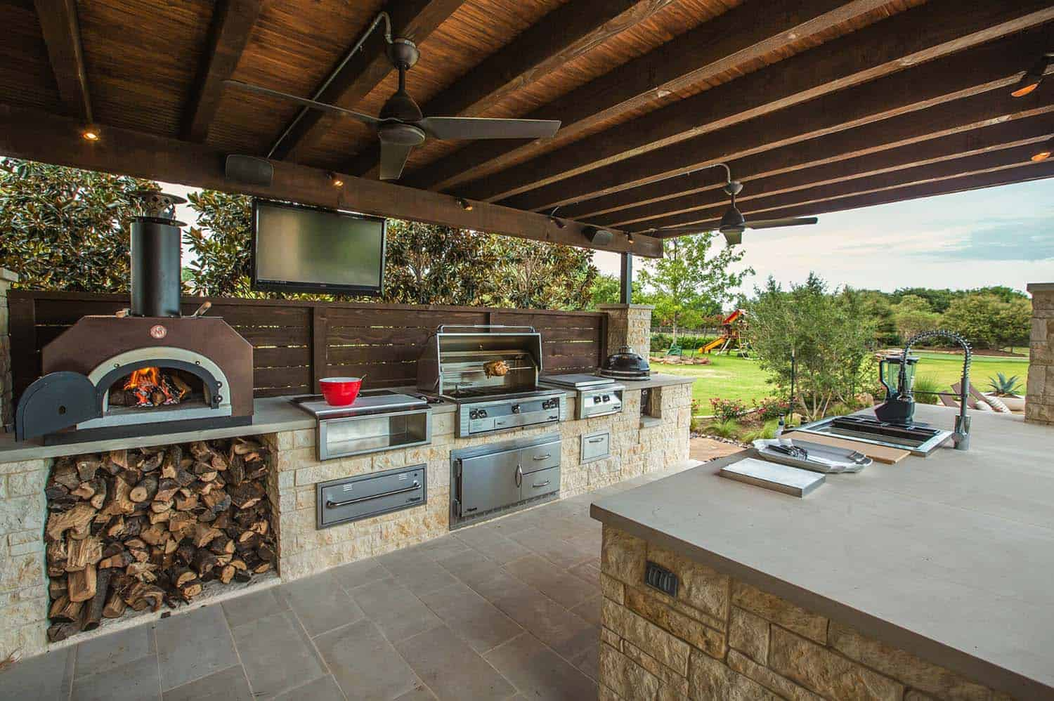 38 Absolutely Fantastic Outdoor Kitchen Ideas For Dining ...